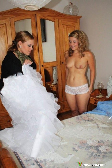 chastnie-svadebnie-foto-golie-nevesti