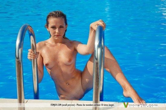 секс с красивой в аквапарке