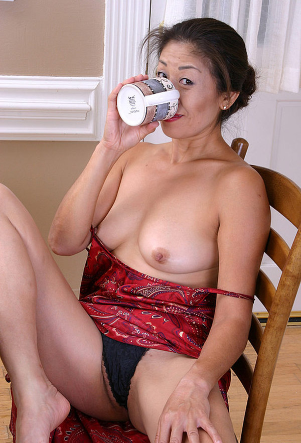 Зрелые азиатские женщины онлайн